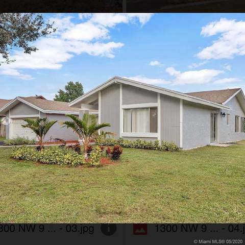 1300 NW 94TH AVE, Plantation, FL 33322 (MLS #A10867625) :: United Realty Group