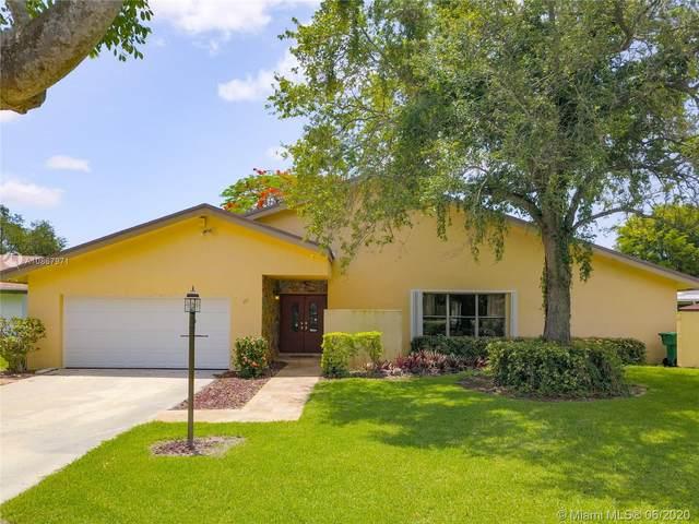 11620 SW 104th St, Miami, FL 33176 (MLS #A10867971) :: Green Realty Properties