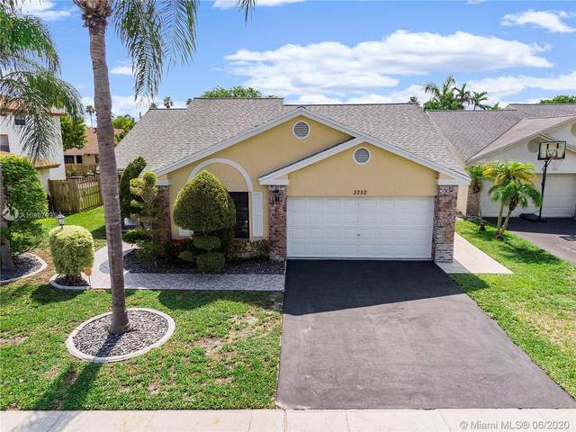 3252 NW 101st Ter, Sunrise, FL 33351 (MLS #A10867995) :: United Realty Group