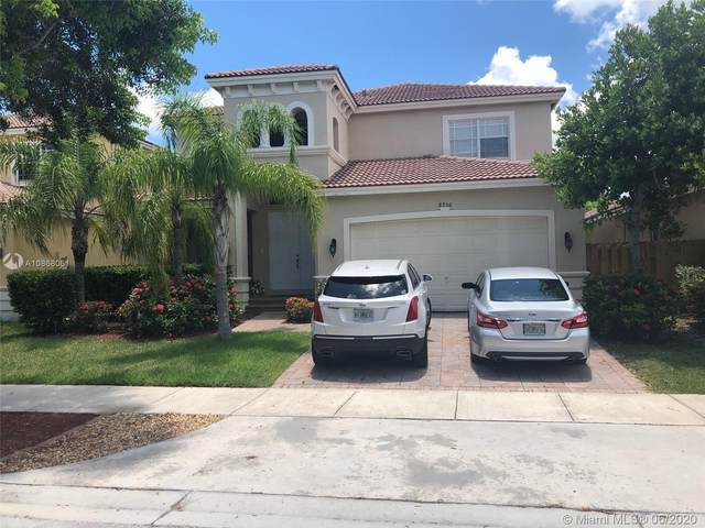 8956 SW 207th St, Cutler Bay, FL 33189 (MLS #A10868061) :: United Realty Group