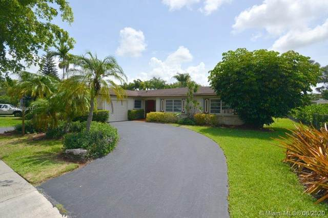 10901 SW 104th Ave, Miami, FL 33176 (MLS #A10869413) :: The Riley Smith Group