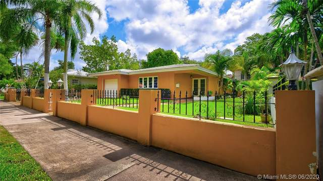 909 Alberca St, Coral Gables, FL 33134 (MLS #A10869612) :: Castelli Real Estate Services