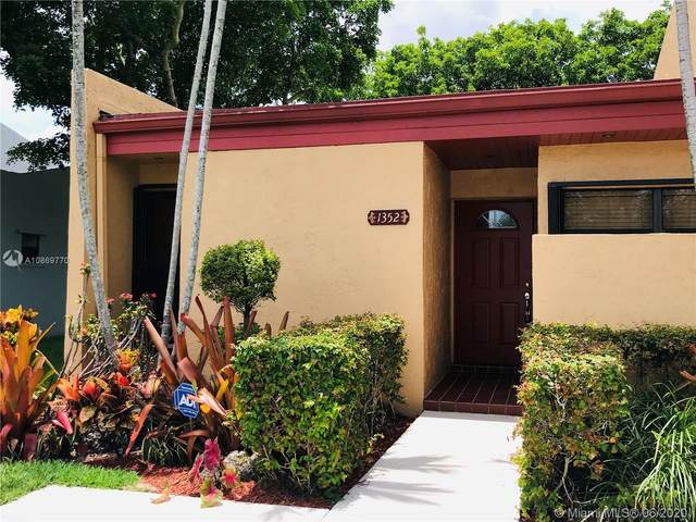 1352 NW 97th Ter #271, Pembroke Pines, FL 33024 (#A10869770) :: Real Estate Authority