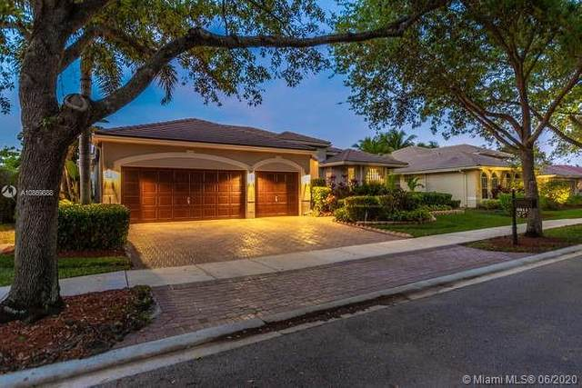 3811 Oak Ridge Cir, Weston, FL 33331 (MLS #A10869888) :: The Paiz Group