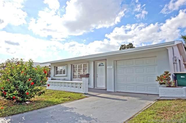 4935 NW 48th Ave, Tamarac, FL 33319 (MLS #A10870634) :: Castelli Real Estate Services