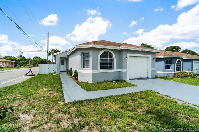 2900 NW 7th Ct, Fort Lauderdale, FL 33311 (MLS #A10871130) :: The Howland Group