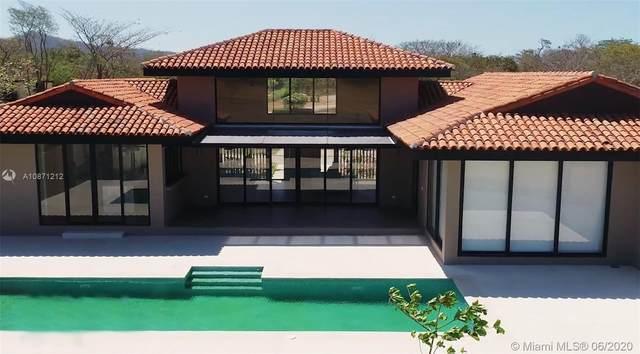 69 Residencial Almendros, Hacienda Pinilla, IA 50309 (MLS #A10871212) :: The Riley Smith Group