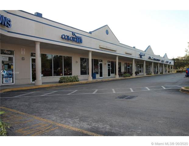 7000 Charleston Shores Blvd, Lake Worth, FL 33467 (MLS #A10872086) :: Berkshire Hathaway HomeServices EWM Realty