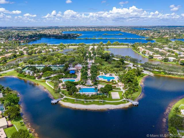 935 NW 168th Ave, Pembroke Pines, FL 33028 (MLS #A10872131) :: Green Realty Properties
