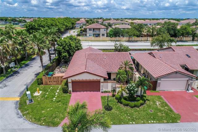 9124 SW 151st Ct, Miami, FL 33196 (MLS #A10872709) :: The Howland Group