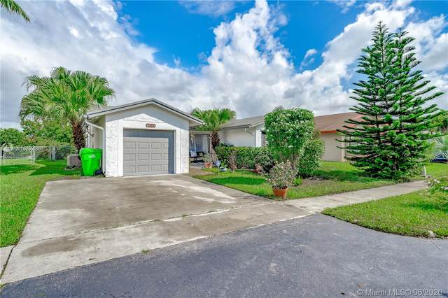 4913 NW 96th Ter, Sunrise, FL 33351 (MLS #A10874881) :: Castelli Real Estate Services