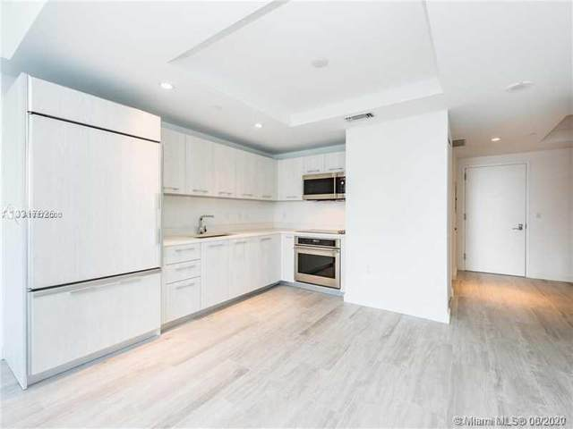 45 SW 9th St #3205, Miami, FL 33130 (MLS #A10875000) :: Berkshire Hathaway HomeServices EWM Realty