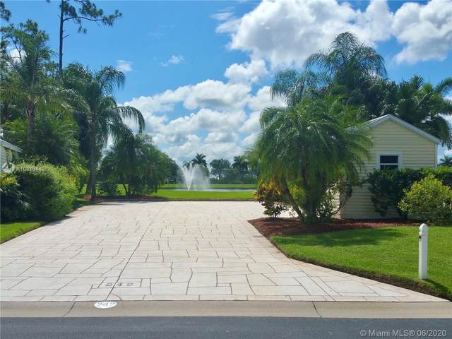 3036 E Riverbend Resort Blvd, La Belle, FL 33935 (MLS #A10876448) :: Castelli Real Estate Services