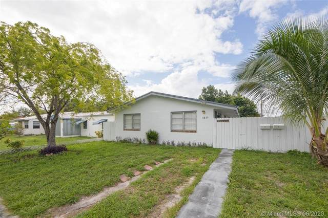 2223 Liberty St, Hollywood, FL 33020 (MLS #A10877903) :: The Teri Arbogast Team at Keller Williams Partners SW
