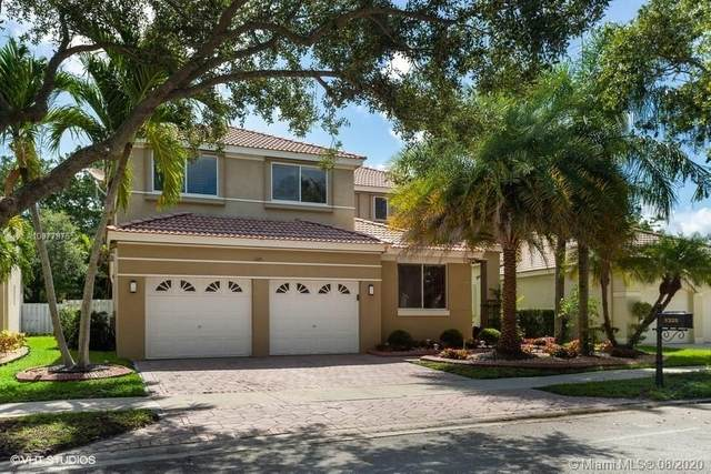 1325 Camellia Cir, Weston, FL 33326 (MLS #A10877975) :: The Teri Arbogast Team at Keller Williams Partners SW