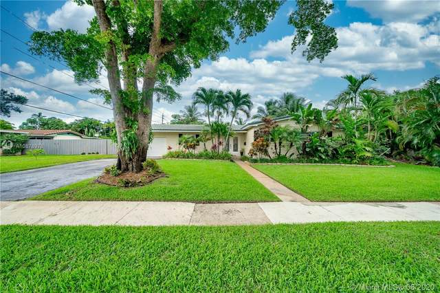880 Azalea Ct, Plantation, FL 33317 (MLS #A10878978) :: Berkshire Hathaway HomeServices EWM Realty