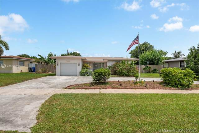 7431 Eaton St, Hollywood, FL 33024 (MLS #A10879868) :: The Teri Arbogast Team at Keller Williams Partners SW