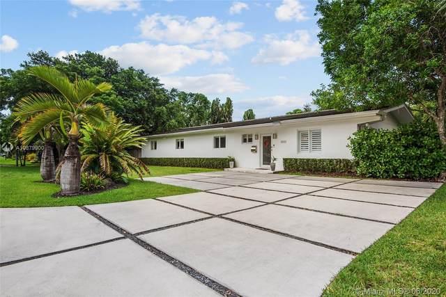 7690 SW 139th St, Palmetto Bay, FL 33158 (MLS #A10879900) :: Grove Properties
