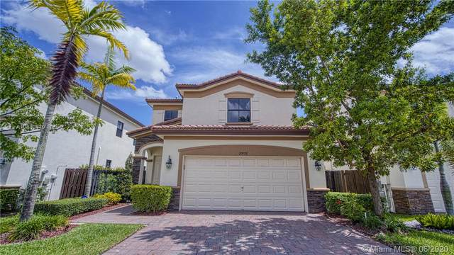 10076 NW 89th Ter, Doral, FL 33178 (MLS #A10880440) :: The Riley Smith Group