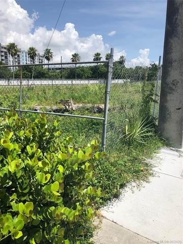 13890 Biscayne Blvd, North Miami Beach, FL 33181 (MLS #A10880673) :: ONE | Sotheby's International Realty