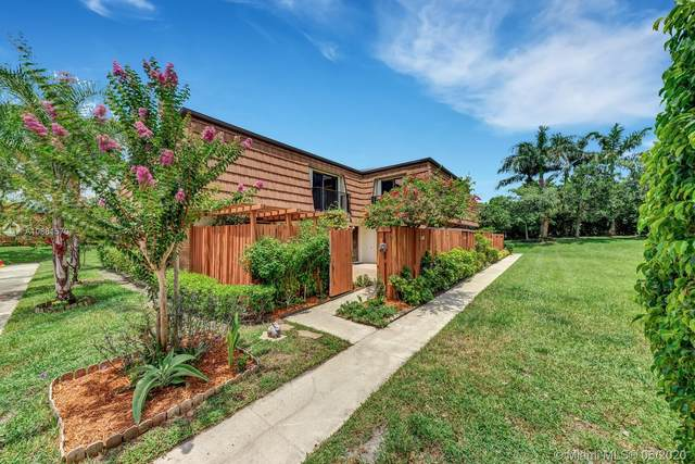 9127 SW 20th Pl, Davie, FL 33324 (MLS #A10881570) :: Castelli Real Estate Services