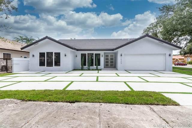 16205 NW 83rd Ct, Miami Lakes, FL 33016 (MLS #A10881663) :: Berkshire Hathaway HomeServices EWM Realty