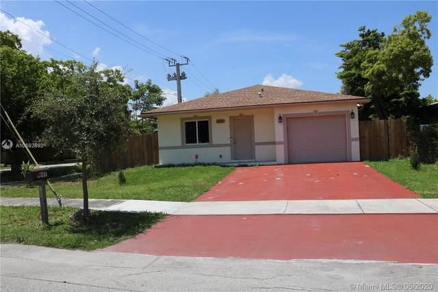 5697 Fletcher St, Hollywood, FL 33023 (MLS #A10882892) :: Castelli Real Estate Services