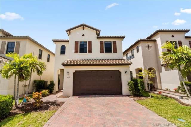 3239 W 96th Pl, Hialeah Gardens, FL 33018 (#A10884245) :: Dalton Wade