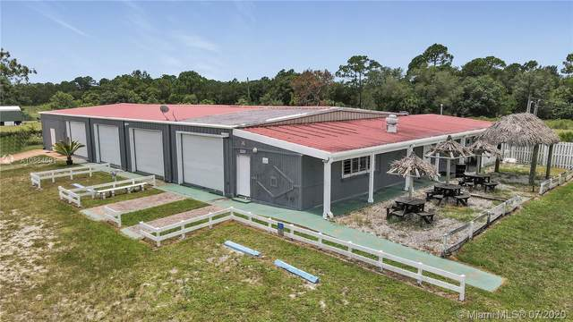 210 N Jinete, Clewiston, FL 33440 (#A10884691) :: Real Estate Authority