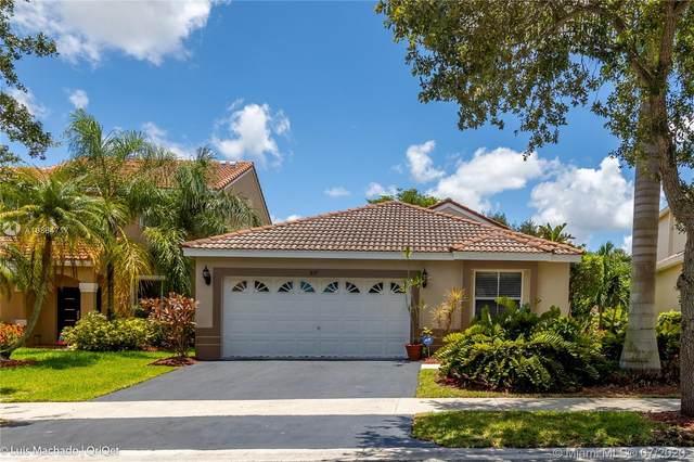 857 Stanton Dr, Weston, FL 33326 (MLS #A10884717) :: Grove Properties