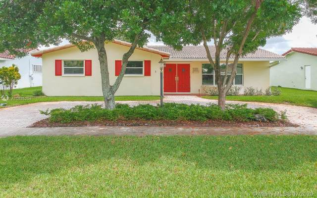 5300 Garfield St, Hollywood, FL 33021 (MLS #A10885254) :: The Riley Smith Group