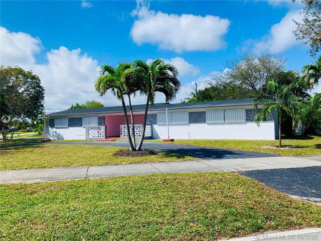 1500 N Park Rd, Hollywood, FL 33021 (MLS #A10885361) :: Berkshire Hathaway HomeServices EWM Realty
