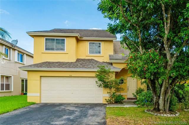 1441 SW 97th Ave, Pembroke Pines, FL 33025 (MLS #A10885660) :: Patty Accorto Team
