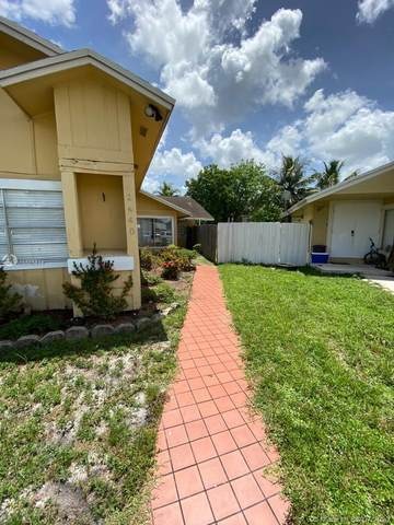 2440 SW 80th Ter, Miramar, FL 33025 (MLS #A10885814) :: Patty Accorto Team
