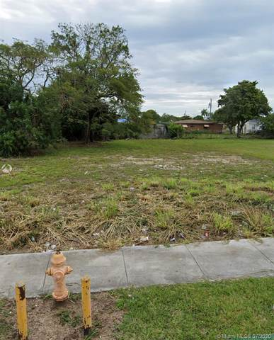 26515 SW 139 Th Ave, Miami, FL 33032 (MLS #A10886530) :: Berkshire Hathaway HomeServices EWM Realty