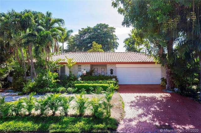 9250 N Bayshore Dr, Miami Shores, FL 33138 (MLS #A10886570) :: The Jack Coden Group