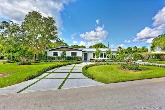 8200 SW 163rd St, Palmetto Bay, FL 33157 (MLS #A10886806) :: Berkshire Hathaway HomeServices EWM Realty