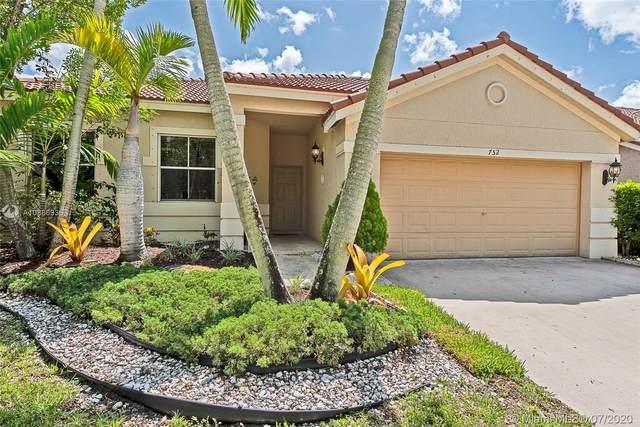752 Lavender Cir, Weston, FL 33327 (MLS #A10886936) :: Berkshire Hathaway HomeServices EWM Realty