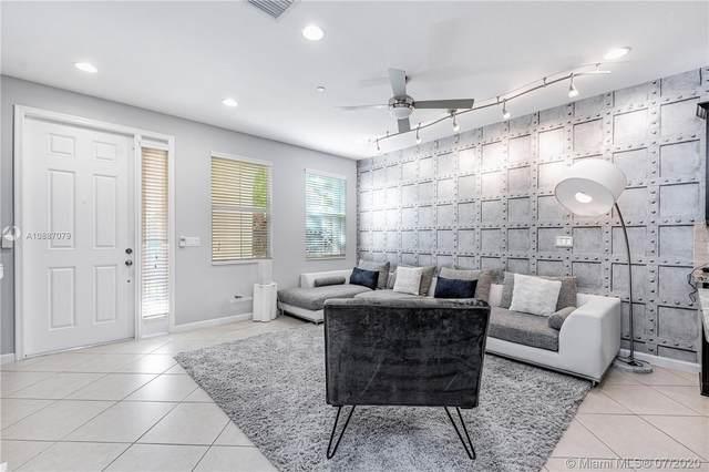 2957 St Thomas Dr #2957, Cooper City, FL 33024 (MLS #A10887079) :: Green Realty Properties