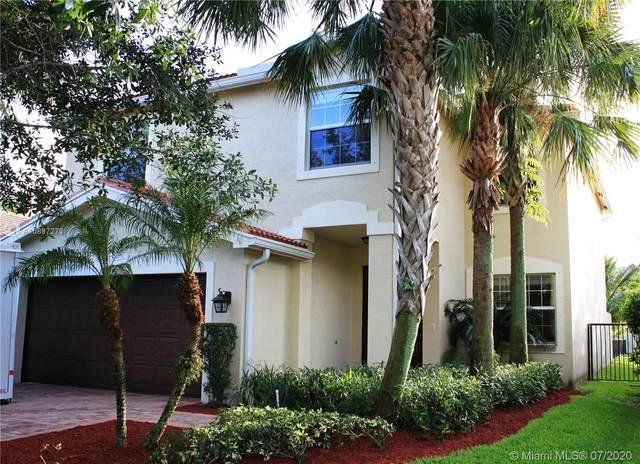10731 Bitternut Hickory Ln, Boynton Beach, FL 33437 (MLS #A10887270) :: Berkshire Hathaway HomeServices EWM Realty