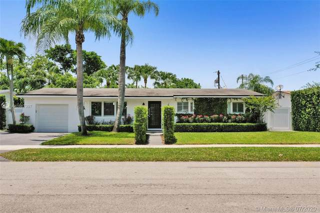 8915 SW 156th St, Palmetto Bay, FL 33157 (MLS #A10887397) :: Berkshire Hathaway HomeServices EWM Realty