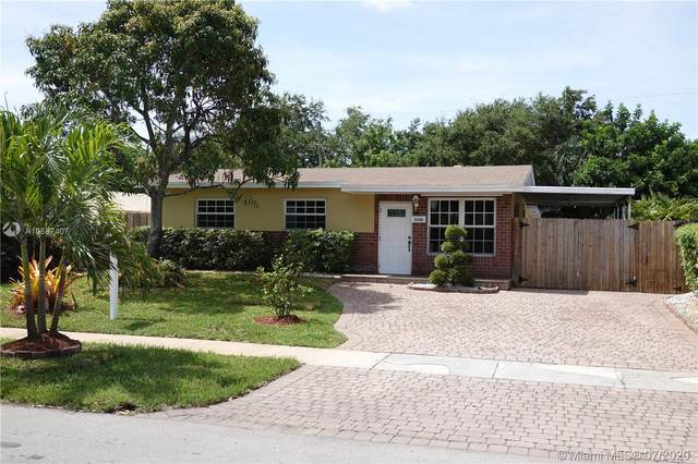 7220 Hayes St, Hollywood, FL 33024 (MLS #A10887407) :: The Teri Arbogast Team at Keller Williams Partners SW