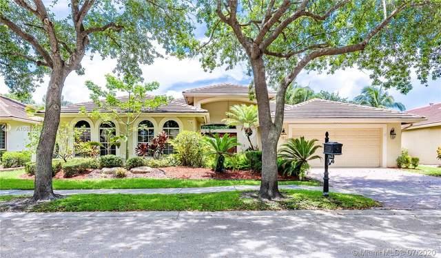 3815 Oak Ridge Cir, Weston, FL 33331 (MLS #A10887447) :: The Howland Group