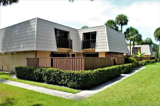 5709 57th Way, West Palm Beach, FL 33409 (MLS #A10887546) :: Laurie Finkelstein Reader Team