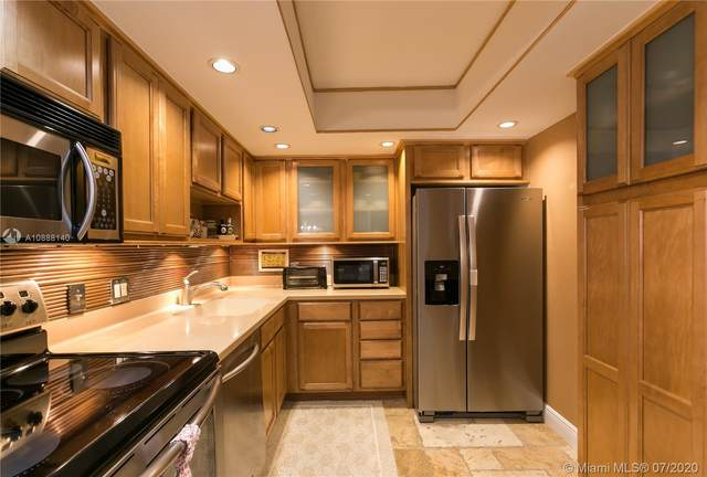 20301 W Country Club Dr #1622, Aventura, FL 33180 (MLS #A10888140) :: Berkshire Hathaway HomeServices EWM Realty