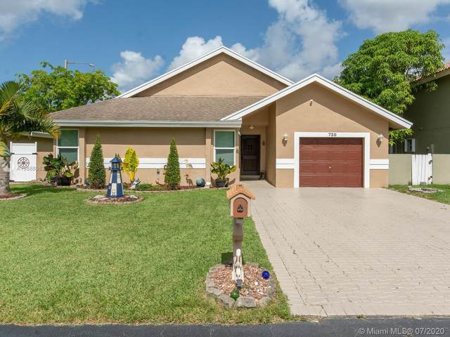720 NW 207th Ter, Pembroke Pines, FL 33029 (MLS #A10888983) :: THE BANNON GROUP at RE/MAX CONSULTANTS REALTY I