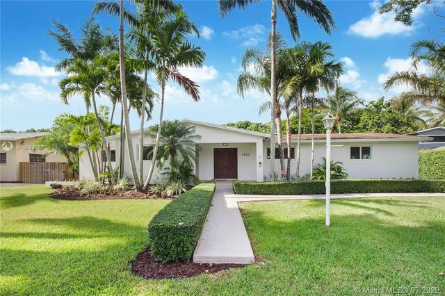 7840 SW 161st St, Palmetto Bay, FL 33157 (MLS #A10889258) :: Albert Garcia Team