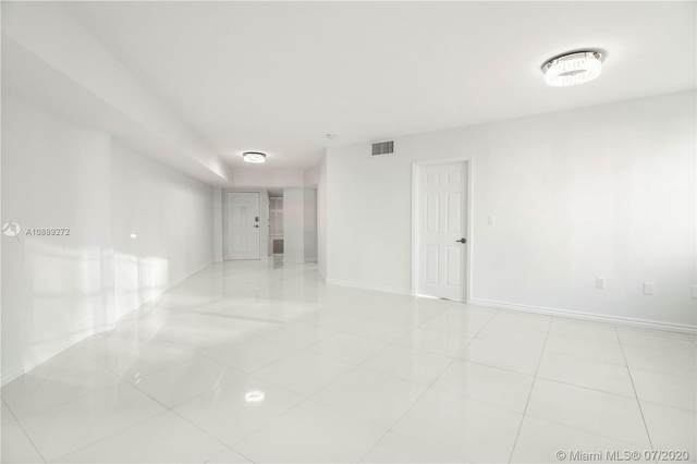 825 Brickell Bay Dr #2048, Miami, FL 33131 (MLS #A10889272) :: The Pearl Realty Group