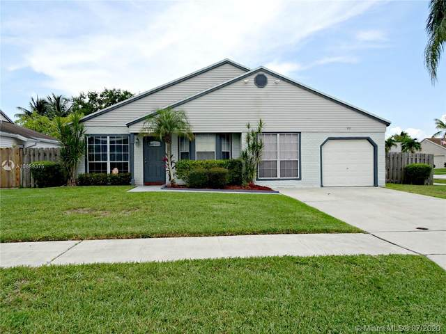 951 SW 134th Ave, Davie, FL 33325 (#A10889375) :: Real Estate Authority