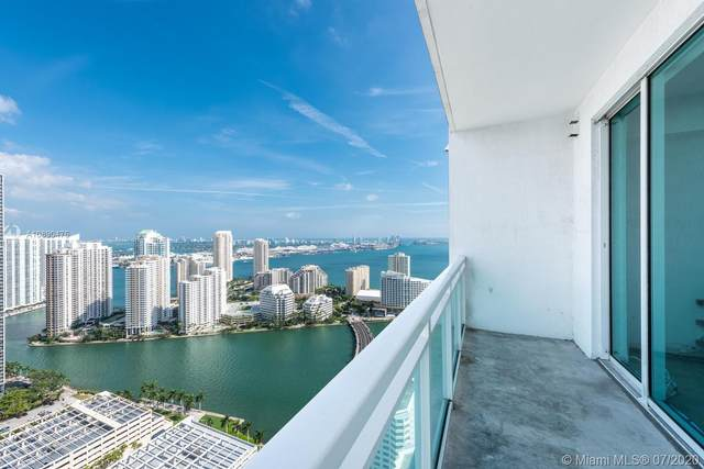 950 Brickell Bay Dr #4408, Miami, FL 33131 (MLS #A10890476) :: Berkshire Hathaway HomeServices EWM Realty